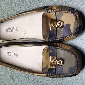 Michael Kors Flats/slip-ons size 9M